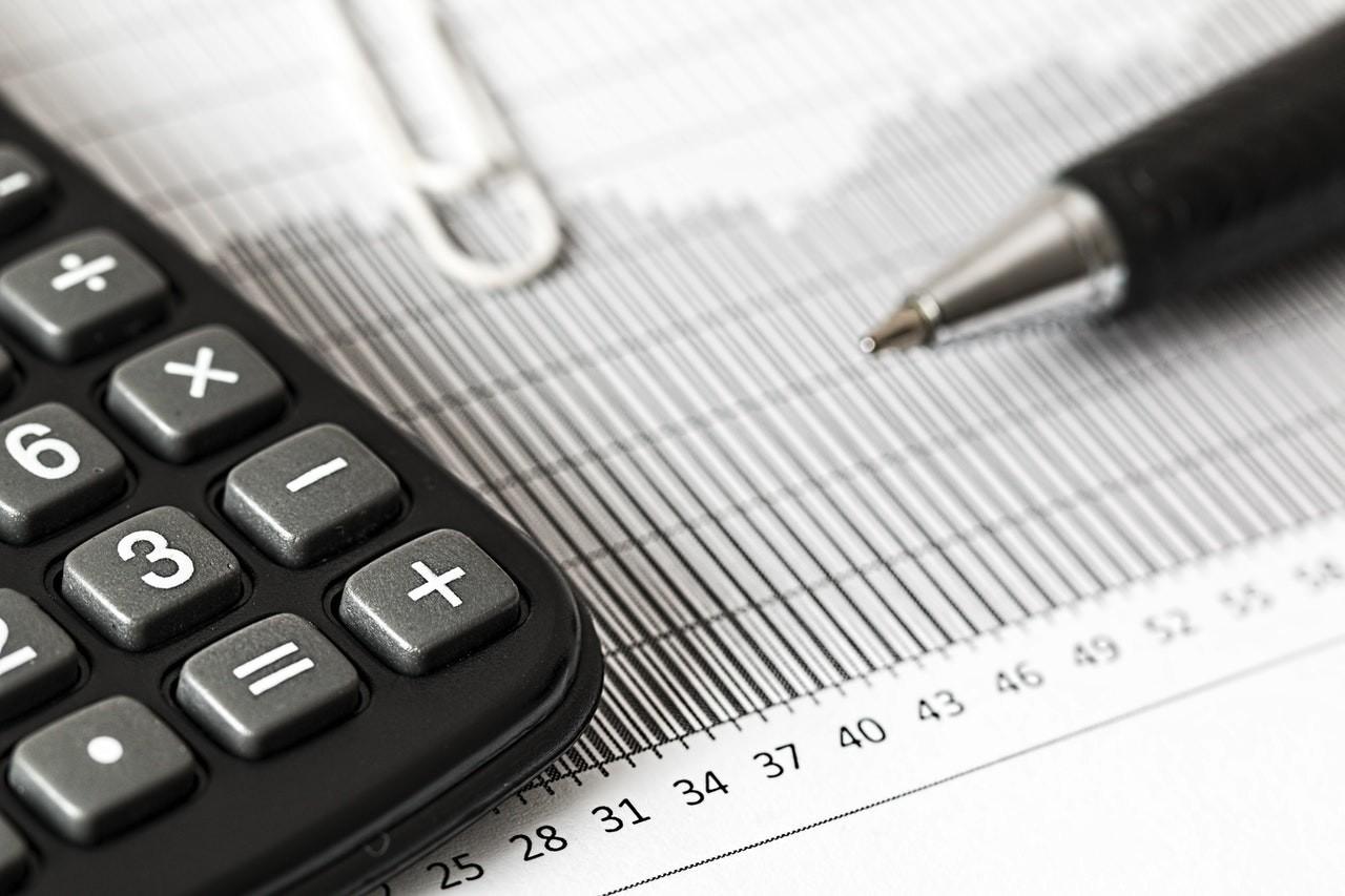 Línia d'ajudes per a autònoms, la reactivació industrial, i mesures fiscals